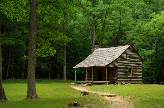 Smoky mountains tour to cades cove in gatlinburg 330176