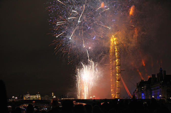 5-Hour New Year's Eve River Gala Dinner Cruise and Fireworks Display in London