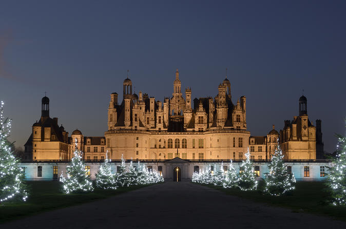 Private day tour to Loire valley castles & wines from Paris