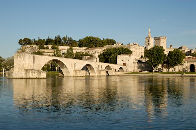 Gita di un giorno del meglio della Provenza con partenza da Marsiglia: Avignon, Chateauneuf-du-Pape e Les Baux de Provence