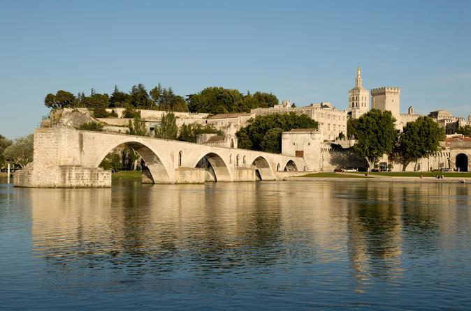 O melhor do passeio de um dia em Provença saindo de Marselha: Avinhão, Chateauneuf-du-Pape e Les Baux de Provence