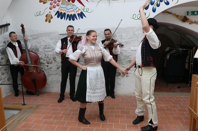 Folklore Show And Traditional Slovak Dinner - Bratislava