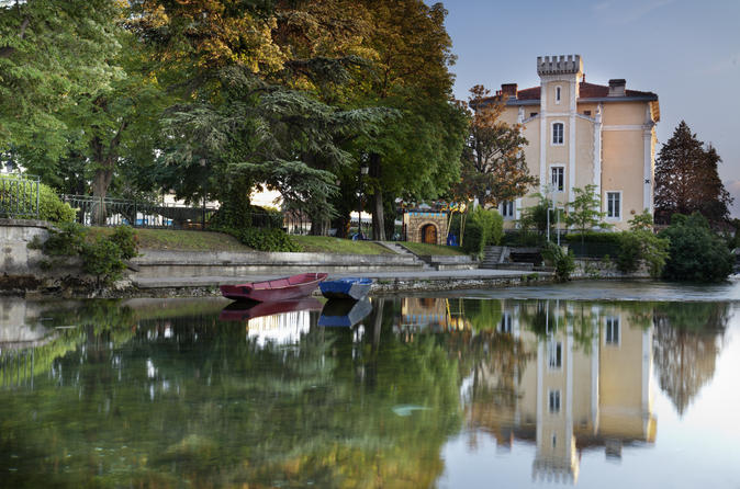 Private Provence Tour: Fontaine de Vaucluse and Isle sur Sorgue