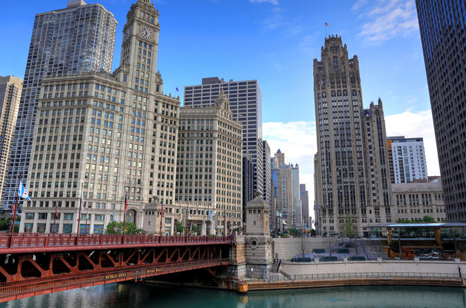 Scenic Chicago North Side Tour and 360 CHICAGO Observation Deck