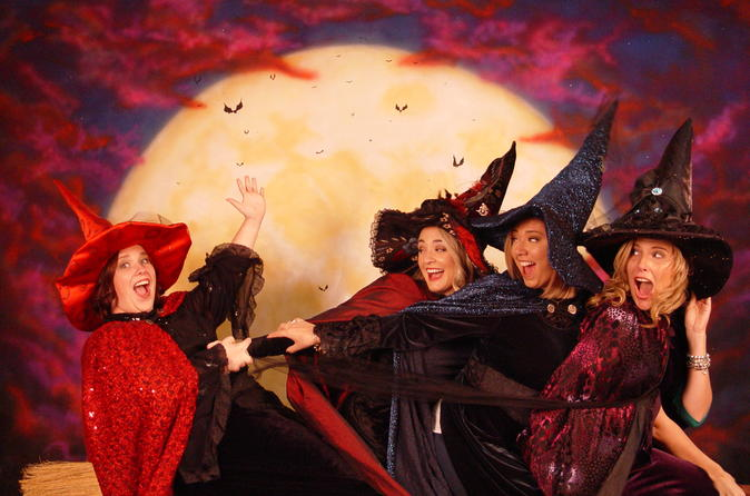 Witch Dress-Up Photoshoot Experience in Salem