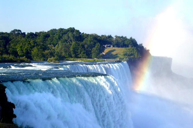 Niagara Falls Day Tour from Toronto including Hornblower Boat Tour
