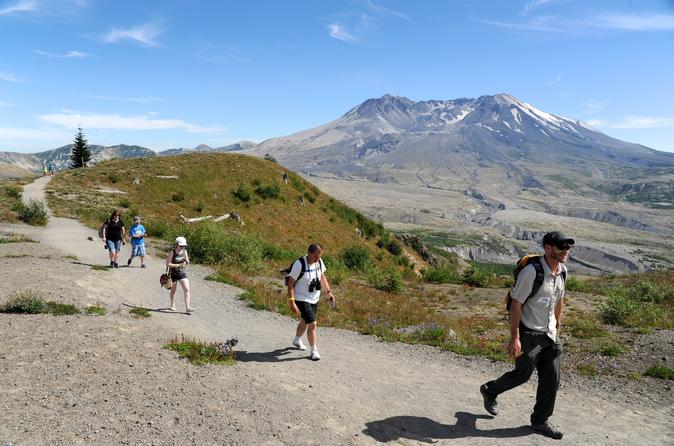 Small-Group Full-Day Tour of Mount St Helens Volcano from Portland