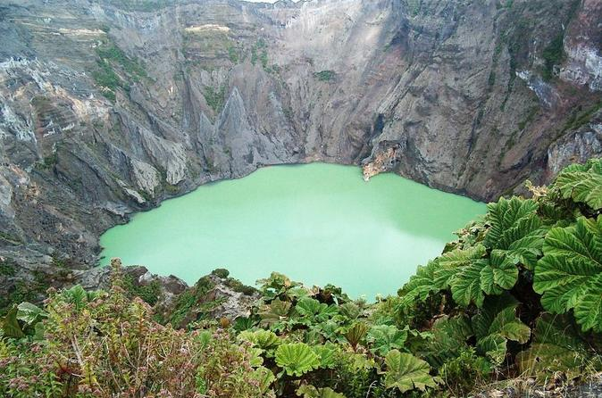 Full day Irazu volcano hiking and Cartago city Guided  tour from San Jose