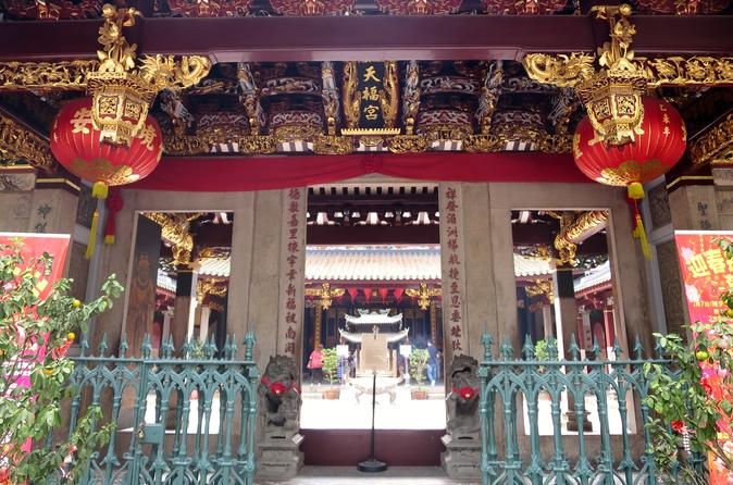 Uncover the Gems of Chinatown Singapore