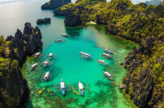 El Nido Island Hopping: Lagoons and Beaches Including Lunch""