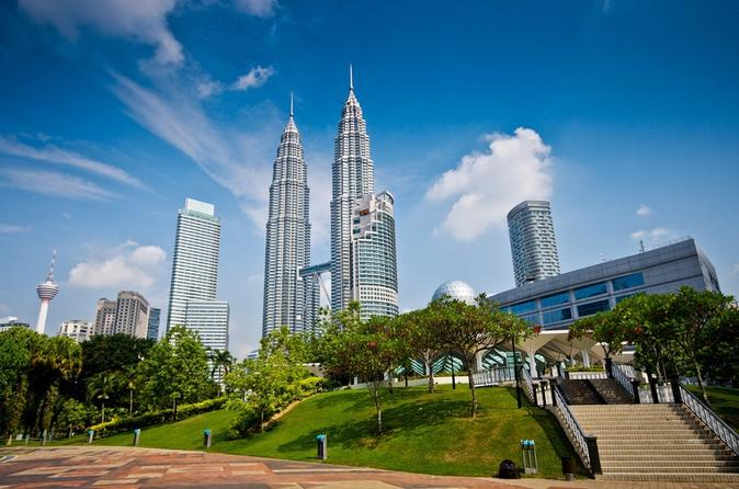 Private Tour: 2-Day Malacca and Kuala Lumpur Tour from Singapore