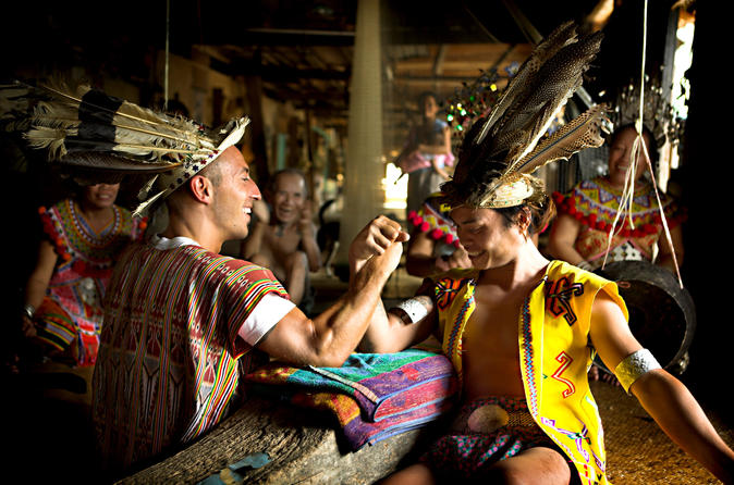 3-Day Small-Group Sarawak Tour from Kuching: Longhouse Experience in Batang Ai