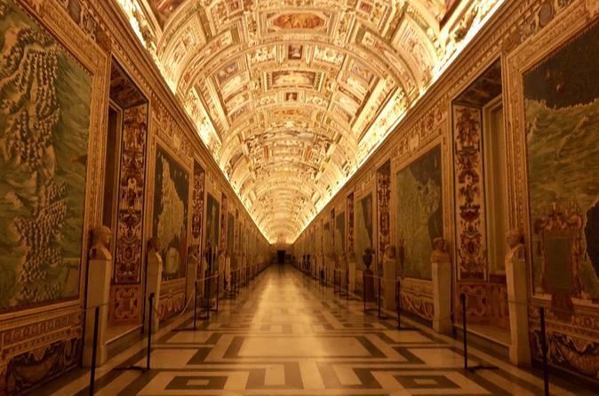 Amanhecer no Vaticano: excursão VIP para grupos pequenos para entrada nos Museus antes da abertura