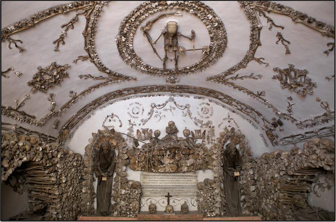 Evite as filas: Grupo pequeno de excursão a pé às Catacumbas e Criptas Romanas