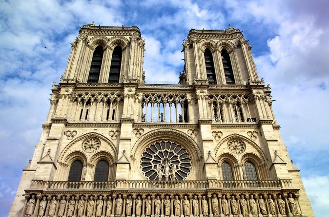 Evite filas: passeio à pé de meio dia pela Catedral e Torre de Notre Dame e pela Île de la Cité