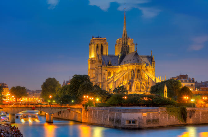 Paris Night Combo: Skip-the-Line Eiffel Tower Tour and Seine River Cruise with Champagne
