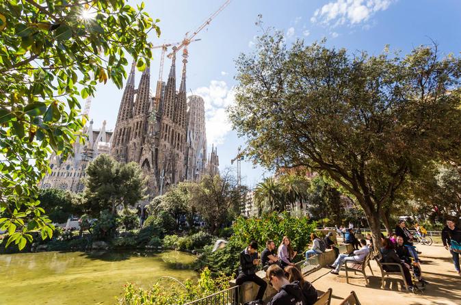 Sagrada Família Guided Tour - Barcelona