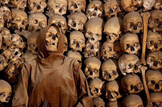 Skip the Line: Crypts and Roman Catacombs Small-Group Walking Tour