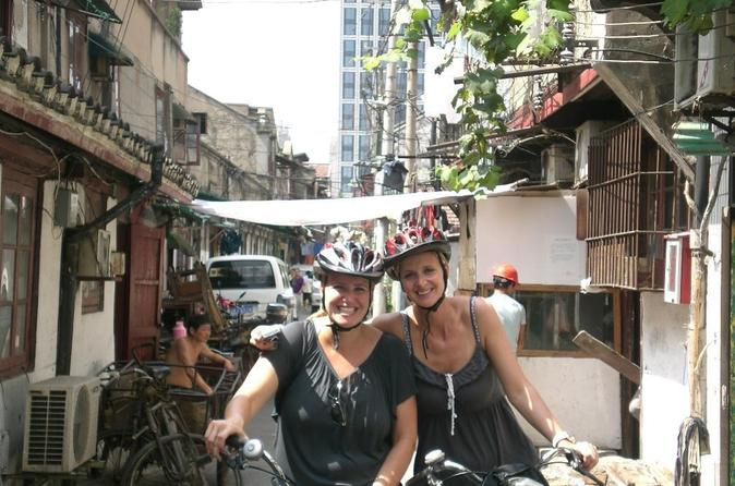 Half-Day Bike Tour: Explore Shikumen in Shanghai Nongtang