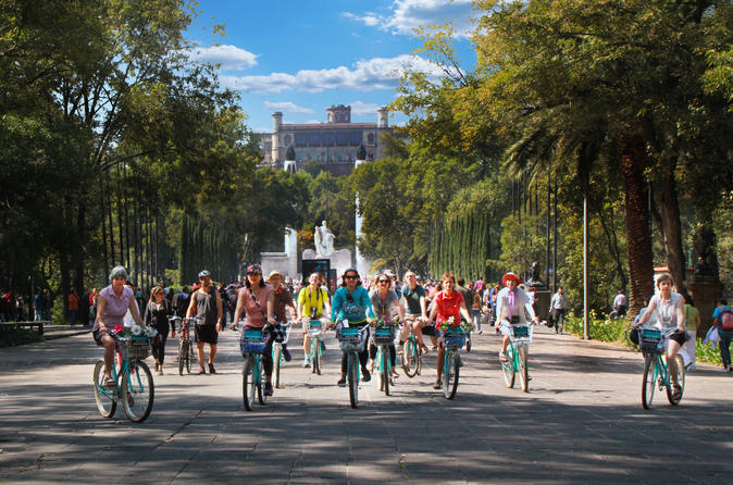 Historical Bike Tour in Mexico City: Chapultepec, Reforma and Downtown
