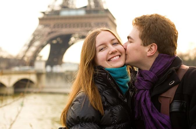 Paris Day Tour Including Champagne Lunch on the Eiffel Tower