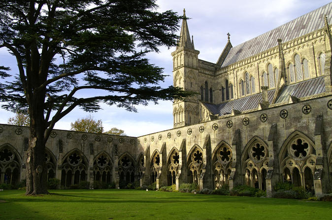 Salisbury, Stonehenge and Bath Day Trip from London