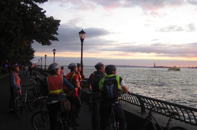 2a7589efc6a6 Brooklyn Bridge and Big Apple Highlights Twilight Bike Tour 2019 - New York  City