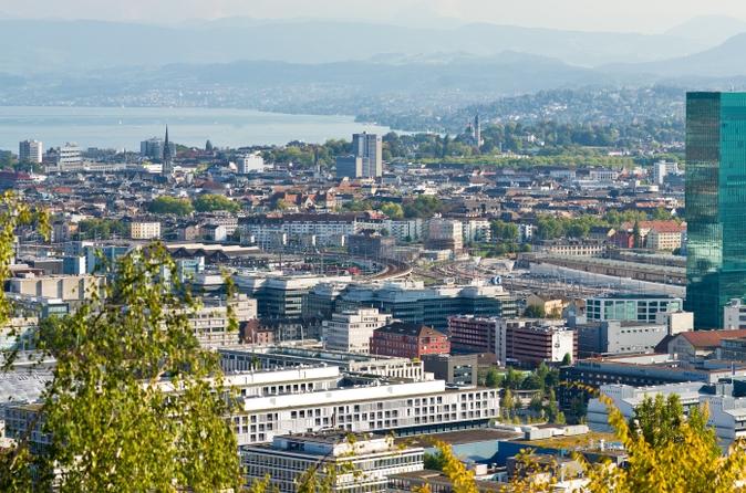 48eb134025c Excursão de meio dia a Zurique incluindo o Outlet da Fábrica de Chocolate  Lindt