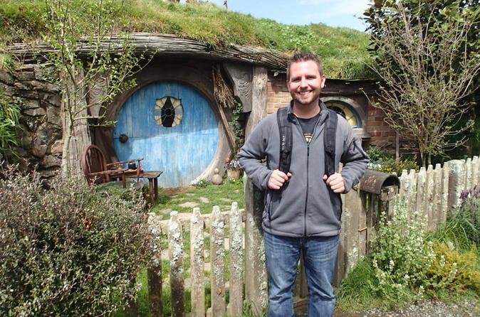 Excursão de dia inteiro para as Cavernas de Waitomo e o set de filmagem de Hobbiton do Senhor dos Anéis, saindo de Auckland