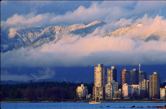Sea-to-Sky Highway Tour Including Round-Trip Transfer from Vancouver Airport to Whistler
