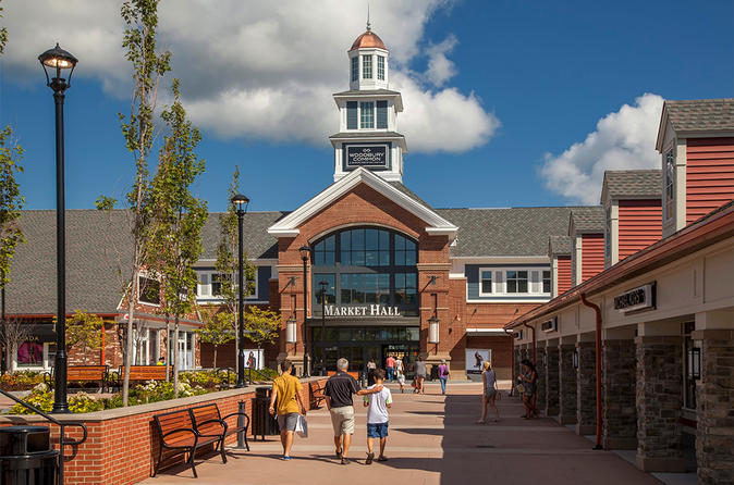 Woodbury Common Outlet Shopping Tour in Portuguese