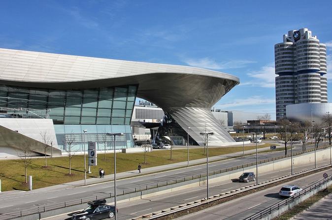 Munich City Center to Prag (Airport) - Private Transfer