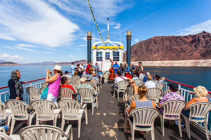 Hoover Dam, Lake Mead Tour and Paddleboat Cruise With Lunch