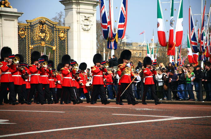 Semi-Private Guided Walking Tour: London City Center Westminster