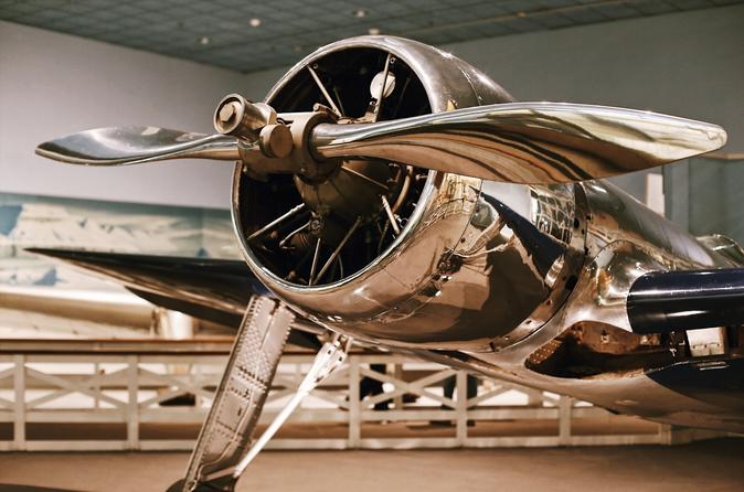 Small Group Guided Tour: The Smithsonian National Air and Space Museum