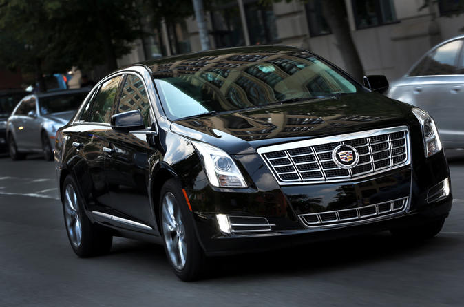 Arrival Private Transfer SFO Airport to San Francisco in Business Car