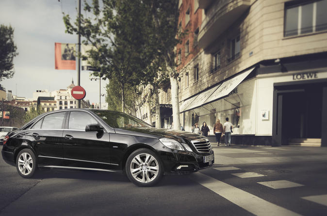 Departure Private Transfer Montevideo to Montevideo Airport MVD in Business Car