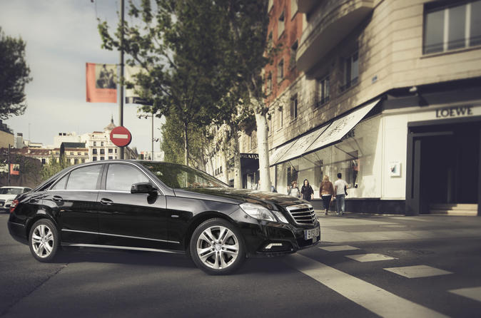 Departure Private Transfer Sydney to Sydney Airport SYD in Business Car