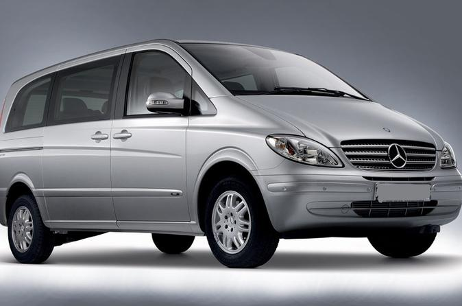 Private Transfer: Johannesburg, Pretoria or Sun City to JNB Airport by Minivan