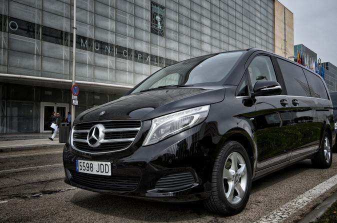Paris Orly Airport ORY Arrival Private Transfer to Paris City in Luxury Van