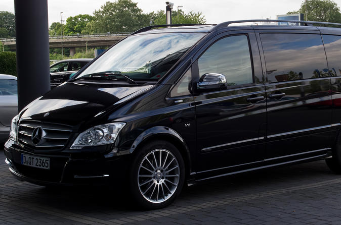 Private Departure Transfer in Luxury Van: From Paris to Charles de Gaulle Airport