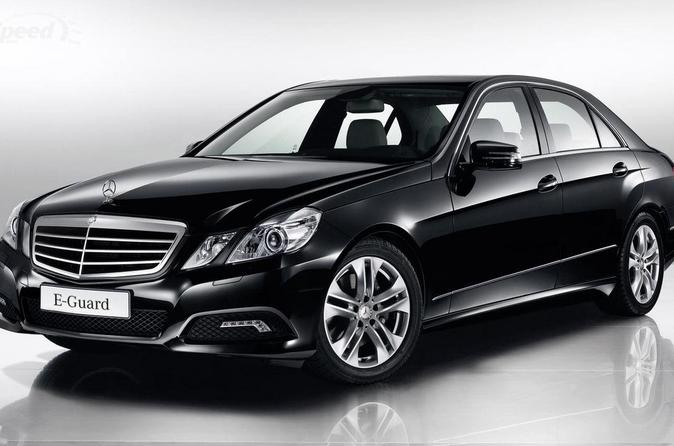 Vienna City Departure Private Transfer to Vienna Airport VIE in Business Car