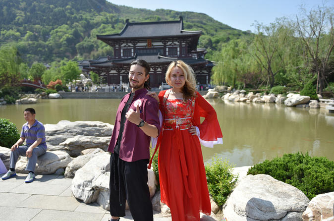 Brush Calligraphy & Tang Costume Experience At Huaqing Palace In Xian