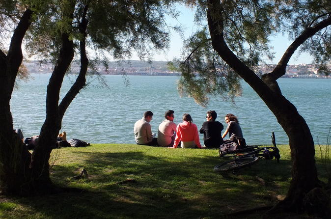 Gir'Almada Walking Tour - Get to know the other side of the river