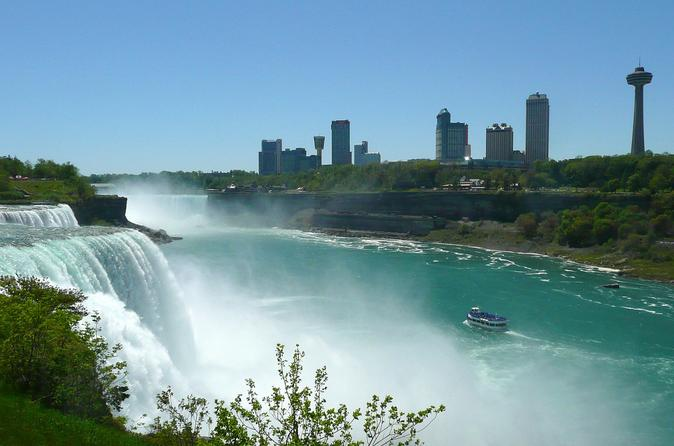 Private Tour and Transfer from Buffalo Airport to Niagara Falls