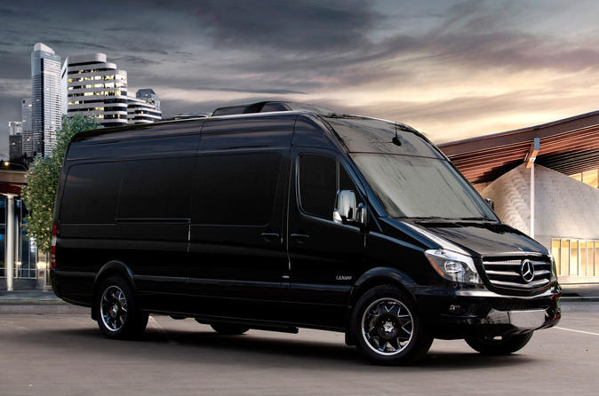 Luxury Van Transportation: Denver Airport to or from Ski Resorts Breckenridge Vail Steamboat or Aspen