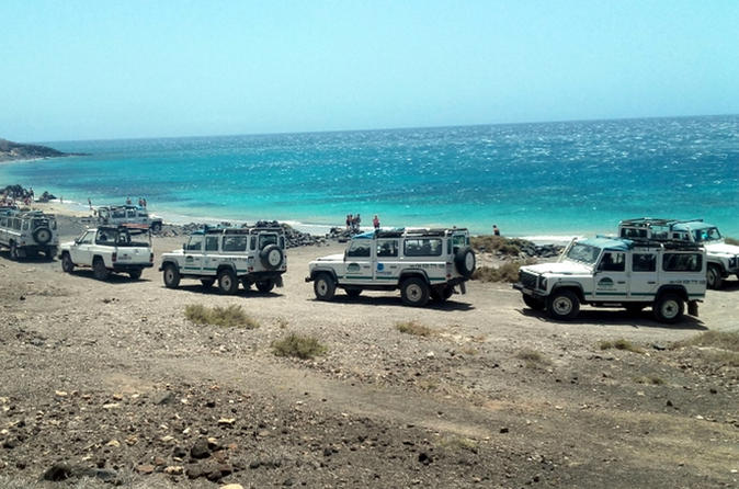 Off road jeep safari tour through inner fuerteventura and cotillo in corralejo 491425