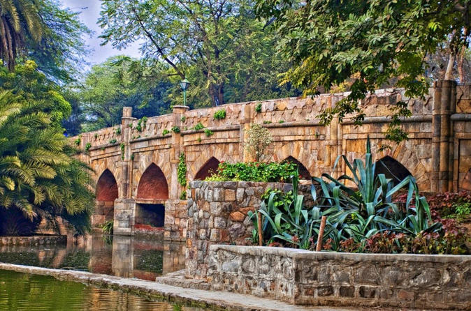 Private Walking Tour Of Lodi Garden And Safdarjung Tomb - Delhi