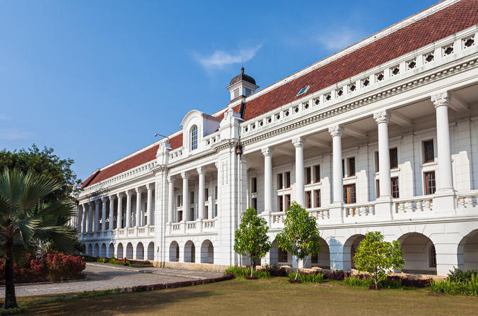Private Tour: Full-Day Colonial Jakarta Excursion