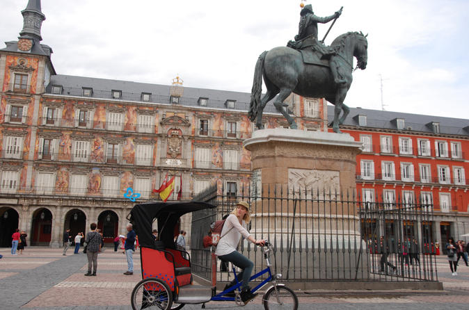 Electrical Tricycles Guided Tour in Madrid